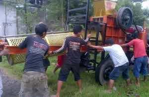 Stone Crusher Mobile/ Mesin Pemecah Batu Beroda